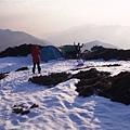 在三角點附近紮營,帳篷得特別處理好避風問題