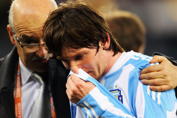 MESSI_CRY.bmp