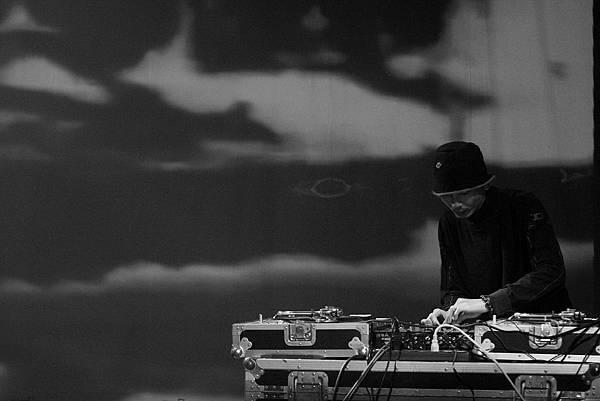 DJ Point  01.JPG