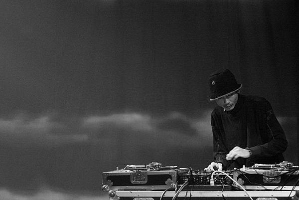 DJ Point  02.JPG
