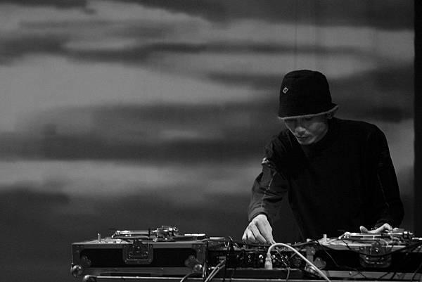 DJ Point  04.JPG