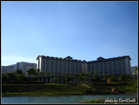 這個像大學校區的建築可以鳥瞰台中市區