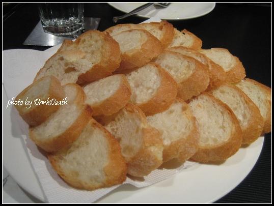 豬排大拼盤附的麵包