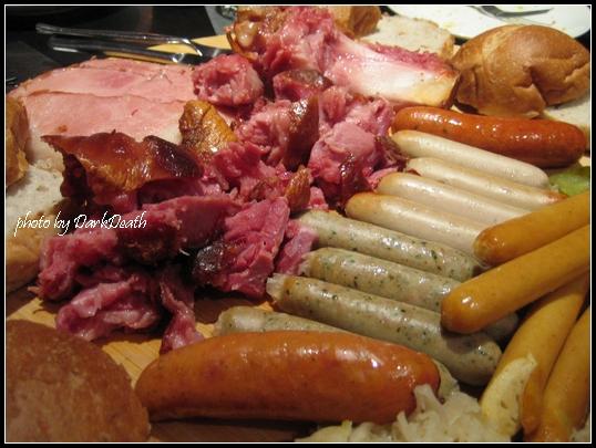 豬腳、各式香腸