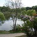 小湖可划船