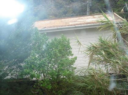房屋從我窗前路過