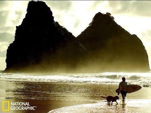 全球最美海濱島嶼 11.巴西費爾南多-迪諾羅尼亞島.jpg