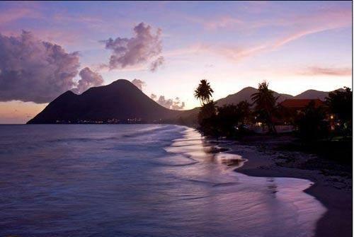 全球最美海濱島嶼 10.馬提尼克島.jpg