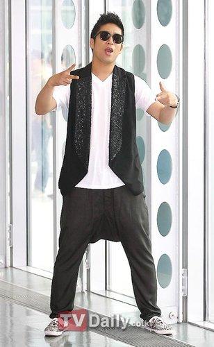 韓國歌手MC夢002.jpg