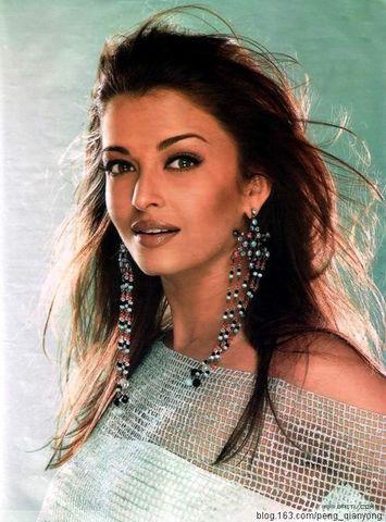 印度第一美女艾西瓦亞001.png