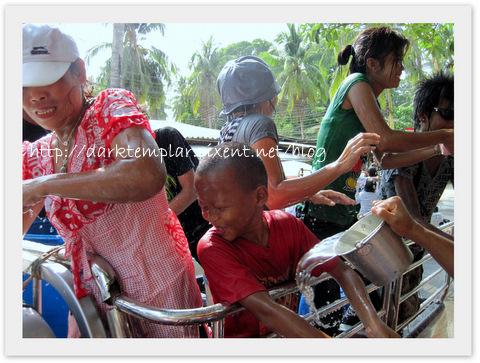1004 Songkran (3).jpg