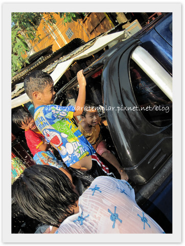1004 Songkran (15).jpg