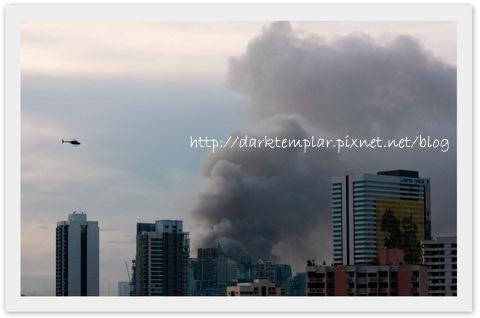 100515 BKK Central World on Fire.jpg