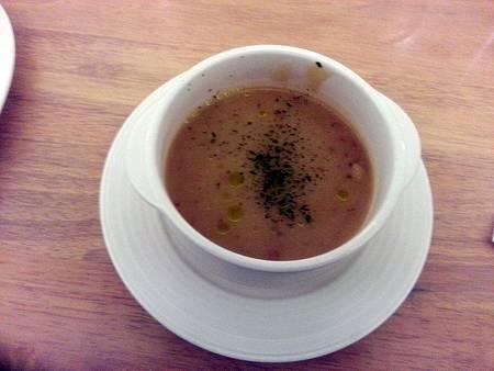 餐前湯品-馬鈴薯濃湯