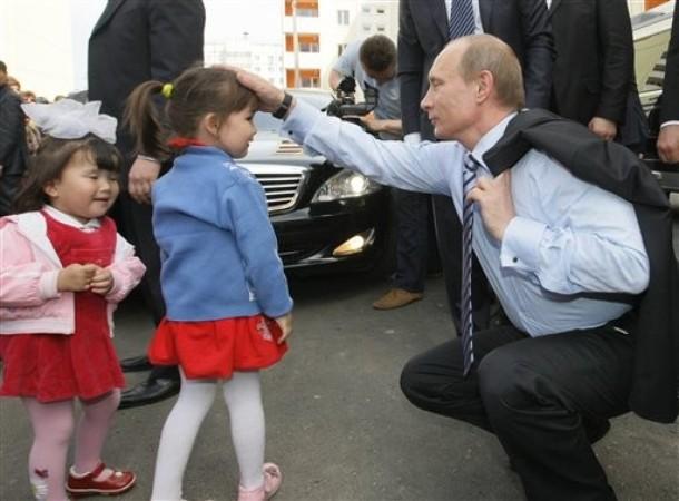 普亭與小孩.jpg