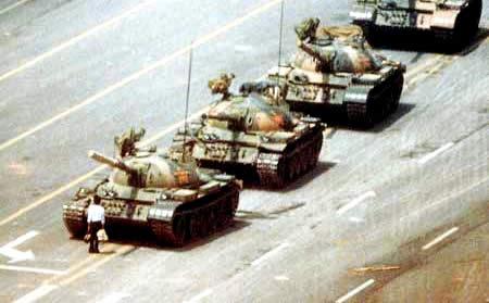 天安門坦克.jpg
