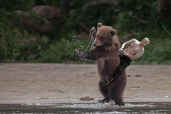 普亭騎熊1.jpeg