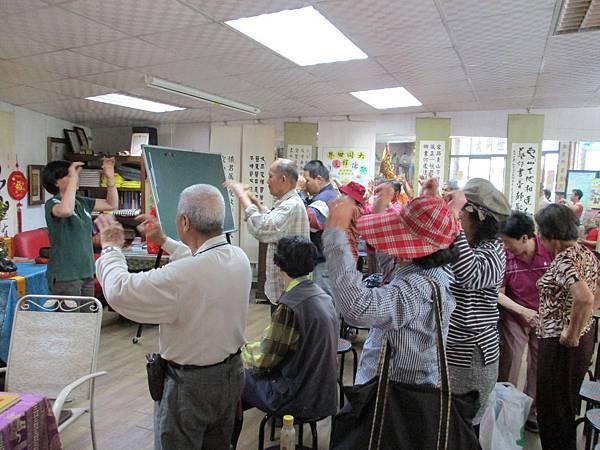 公益慈善團體中華大同世界慈善會大同世界慈善日心靈饗宴物資發放105年3月16日