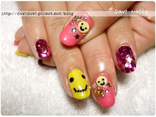 20110713。黃色笑臉可愛龐克風