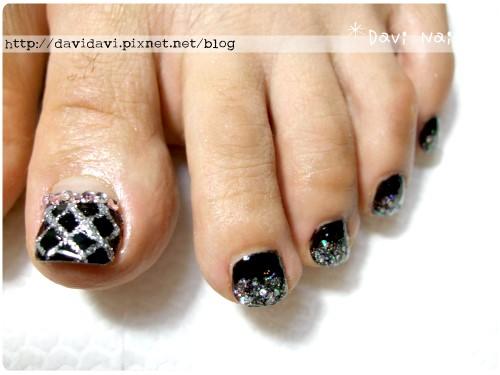 20110719。黑色菱格紋香奈兒風