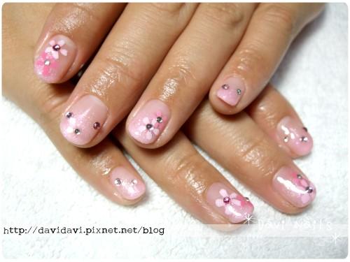20111018。粉色璀燦小花