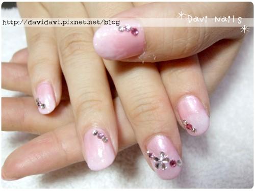 20111028。粉色漸層花形鑽