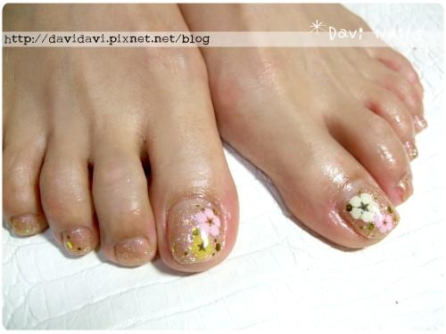 20120510。裸色小花