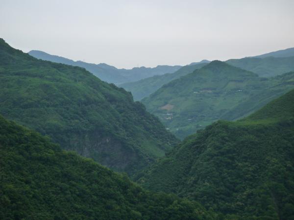 壯麗的山景.JPG