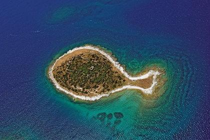 14-12全球最酷十二島-克羅埃西亞魚島.png