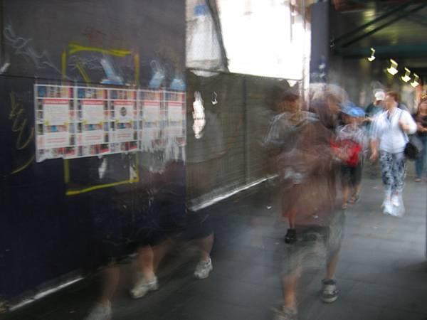 Sydney George Street-流動的主體.jpg