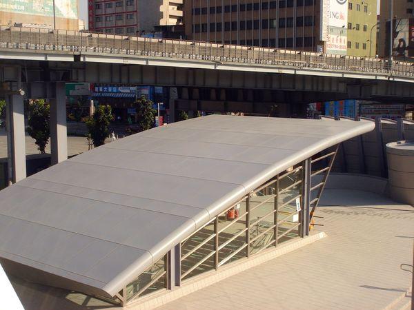 高捷R11高雄火車站