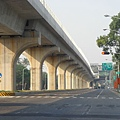 高捷北段的高架橋