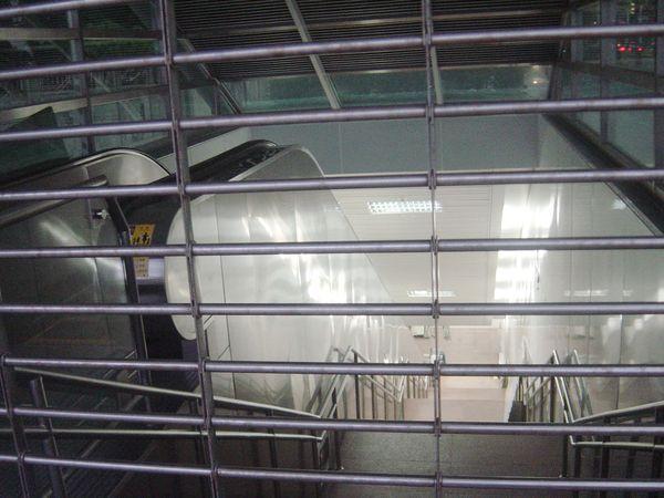 高捷R7獅甲站出口內狀