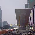 高捷R9中央公園站2號出口