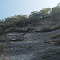 很高聳的岩壁