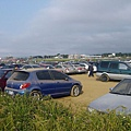 滿是風沙的停車場