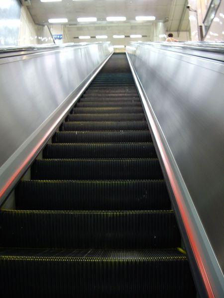 電扶梯真的很高很高