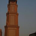 被夕陽渲染的50層長谷世貿大樓