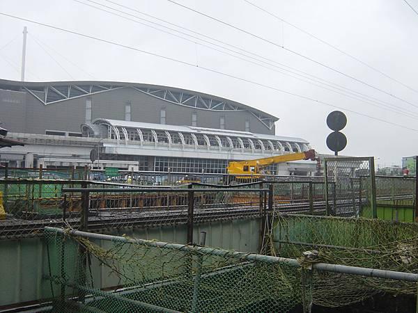遠望南港展覽館和車站