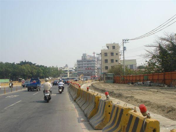 施工中的O13光遠路,國父紀念館前