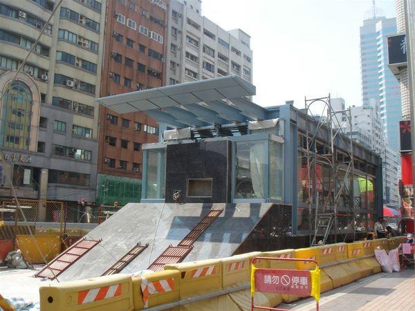 O7文化中心站的1號出入口