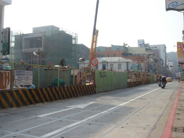 施工中的臨海二路