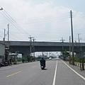 靠近高鐵橋