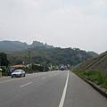 140縣道東行,可見火炎山在眼前
