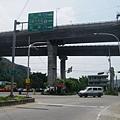 右轉上新義里大橋