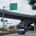 直行上義里大橋引道,左轉往卓蘭