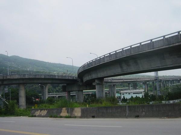 義里大橋引道