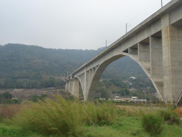 新山線拱橋