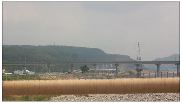 從義里橋上看苗栗南橫公路工程