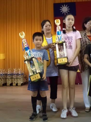 中棋盤 G 組 冠軍 : 王雨實 ( 學棋 4 個月 )